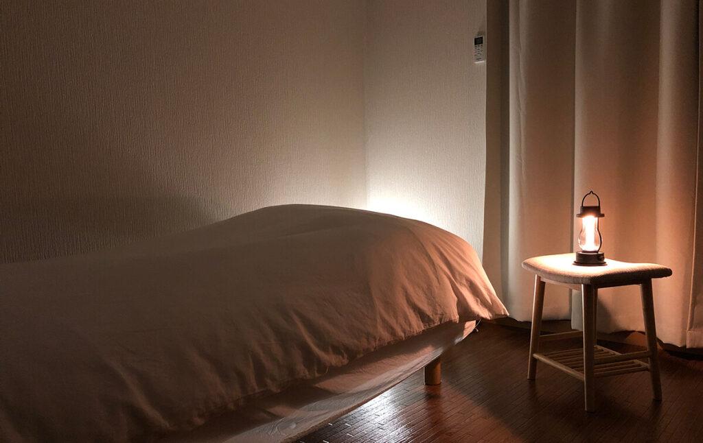 バルミューダのランタンとベッド